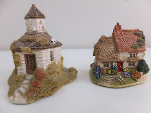 Lilliput Lane The Dovecot 1990 and Finders Keepers 1999 collectibles no box used