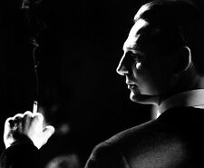 Liam Neeson UNSIGNED photo - D647 - Schindler's List