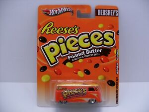 2011 Hot Wheels Reese's Pieces VW Volkswagen Micro T1 Panel Bus w/ Real Riders