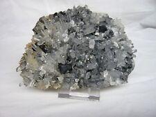 Très belle Pièce de quartz aiguilles translucides, avec cristaux de sphalérite