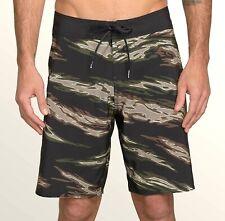 VOLCOM Men's PIPE PRO MOD Boardshorts - Size 32 - CAM - NWT