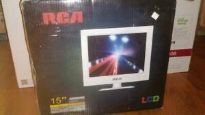 "RCA 15"" LCD Television White Renewed"