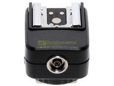Hot Shoe Converter DF 8002 per Nikon, con slitta TTL + presa PC sincro.