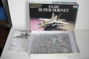 Tamiya Super Hornet F/A-18E 1:72 Nr.46 unverbaut *Kirch*
