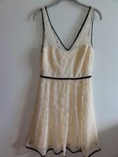 BNWOT $325 FLEURETTE By Fleur Wood Cream Lace Dress  2 8-10