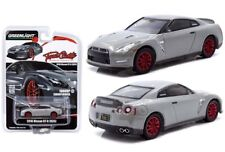 Greenlight Nissan GTR R35 2016 Tuner Crate Grey Metallic 51147 1/64