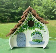 🏡 NEW Adorable White Handpainted Wooden Birdhouse Backyard Decorations PAM Bird
