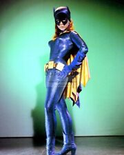 "Yvonne Craig As ""Batgirl"" In The Tv Series ""Batman"" 8X10 Publicity Photo (Mw103)"