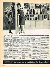 PUBLICITE  1966  HACHETTE   spécialiste du livre