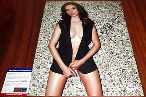 Sexy Alison Brie Signed 11x14 Community Mad Men PSA/DNA