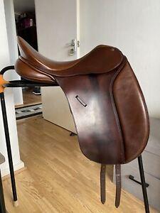 """17"""" Bates Caprilli Dressage Saddle - Adjustable Gullet"""