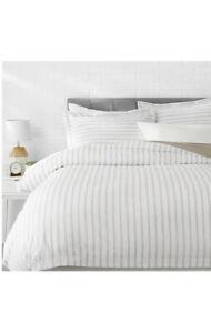 AmazonBasics Microfiber 3-piece quilt/duvet/comforter cover set king Grey Stripe