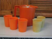 Tupperware Pitcher 1575 ORANGE & 5 Small Tumbler Cups #1251 Harvest 6 oz Glasses