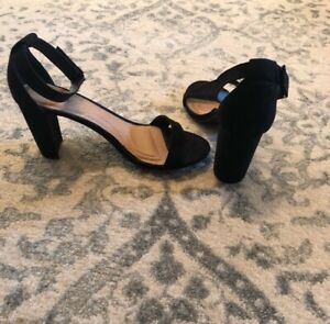 Sexy Yet Comfy. Lane Bryant Black Velvet Ankle Strap Sandals size 7 Wide Wedding