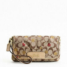 NWT COACH SECRET ADMIRER LARGE FLAP WRISTLET KHAKI 46934