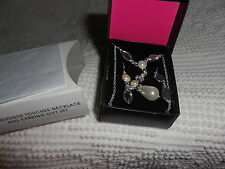Avon Pearlesque Touches Necklace & Earrings Gift Set new  very pretty!!
