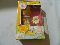 NEW IN BOX STRAWBERRY SHORTCAKE BUTTER COOKIE DOLL W JELLY BEAR PET 1982 KENNER