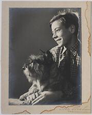 Großes Vintage 1940s Porträt mit Hund von LUCCA CHMEL signiert
