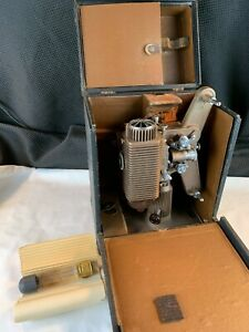 Vintage Revere Camera Co. Model 85 8MM Projector Chicago, Ill. and Reels