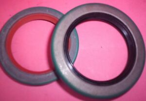BORG WARNER 35 AUTOMATIC TRANSMISSION PUMP SEAL FRONT & OUTPUT REAR