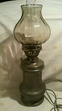 Tischlampe  Style: Petroleumlampe Zinnfuß gemarkt METAWA REAL PEWTER 94% Holland