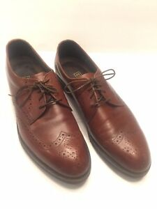 Size 10 A E.T. Wright Soft Leather Brown Wingtips Lace Up Shoes Vibram Sole