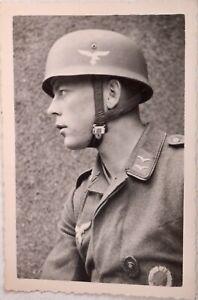 Original WW2 Foto Fallschirmjäger Stoffabzeichen Stahlhelm FSJ