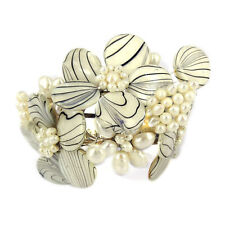 White Zebra Garden Mother of Pearl and Pearl Cuff