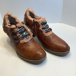 Ankle Boots High Heel side Zip Paisley Embossed Leather WOMENS size 7M, New