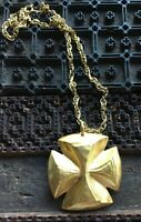 "Vintage Signed Linda Davis Gold Tone Cross Pendant 18"" Necklace"