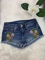 American Eagle Women's Distressed Denim Shorts Flower Design Stretch Size 4 Jean
