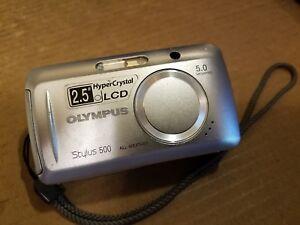 Olympus Stylus 500 5.0MP Digital Camera +256MB xD-Picture Card Li-10B #596601002