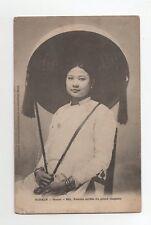 Vietnam - cpa - TONKIN - HANOI - Femme coiffée du grand chapeau  (J842)