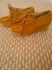 clarks originals retro 3 suede/leather wedge boot shoes  amber gold (mustard)tan