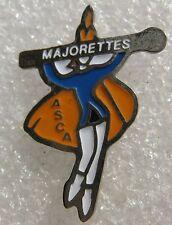 Pin's Majorettes ASCA avec une baguette #574