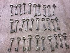 n° 58 Lot 30 clés anciennes de porte serrure clef / déco Clef table de mariage