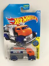 2017 Hot Wheels #144 HW City Works Fast Gassin 7/10 Tanker Truck
