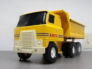VINTAGE ERTL 1:18 INTERNATIONAL TRANSTAR PRESSED STEEL DUMP TRUCK Yellow