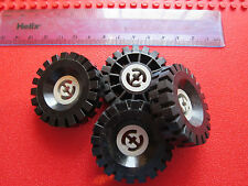 Lego Technic 4 x Thick tread Black Rubber wheel 17 x 43 + Grey inner hub 3634
