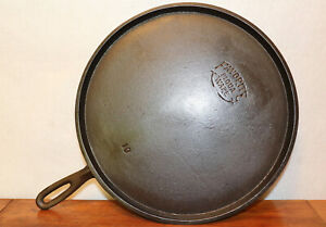 Antique FAVORITE PIQUA WARE Circa 1916 - 1934 #10 Griddle Cast Iron Cookware Pan