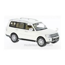 First: 43 f43075 MITSUBISHI PAJERO 4wd BIANCA scala 1:43 modello di auto NUOVO! °
