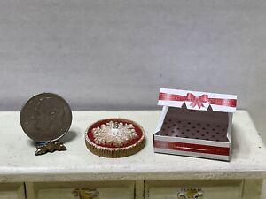 CHRISTMAS In JULY! Artisan Fancy Pie in Bakery Box Dollhouse Miniature 1:12