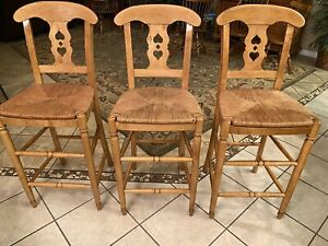 3 Beautiful Ethan Allen Barstools Farmhouse Pine 23-6330 223 Finish Excellent