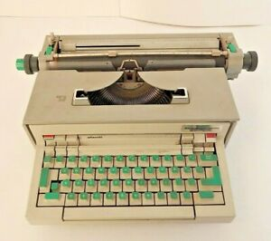 Olivetti Praxis 48 Electric Electronic Typewriter