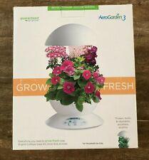Aerogarden 3 White hydroponic planter Growing system light indoor grow pod type