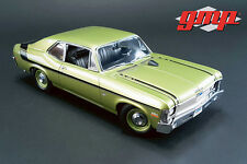 GMP  1970 Chevrolet Nova Yenko Deuce Hard Top+Bonus 1:18 greenlight display case