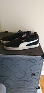 PUMA Mens Suede Black Sneaker Size 9.5