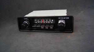Toyota Land Cruiser FJ60 OEM Factory AM/FM Radio Receiver ASSY
