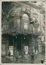 Paris, le théâtre de la Porte St Martin  Vintage silver print Tirage argenti