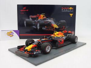 Spark 18S311 # Red Bull RB13 No.33 Winner Malaysia GP 2017 Max Verstappen 1:18